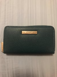 Dark blue/green wallet  Toronto, M3C 1X5