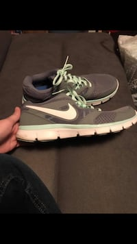Women's Nike Shoes Size 10 Chattanooga, 37421