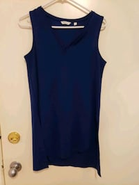 New Navy Tunic Top..size small...never worn...Reitman brand.. Burnaby, V5G 1N7