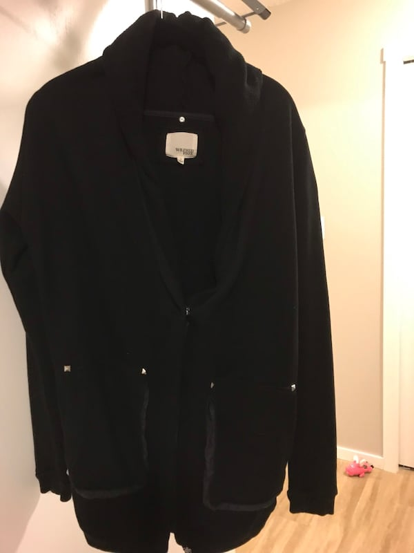 Aritzia Wilfred cozy zip-up size small 0726f578-0759-4a08-a5ae-08f6592aae87