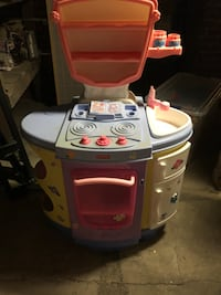 FREE Play Kitchen/$10 Play Food and Dishes Snyder, 68664
