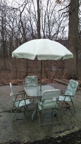 brukt patio furniture set with umbrella til salgs i villa park letgo rh se letgo com