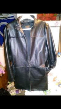 Nice leather nacket perfect condition. Edmonton, T6R 0G3
