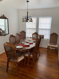 Elegant Dining Table and Chairs Houston, 77030