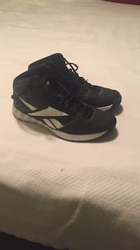 Reebok 9 1/2 basketball shoes. White and black. Used once. Jacksonville, 28543