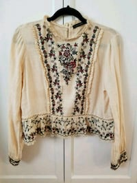 EUC Zara Embroidered Peasant Top (LG)  Edmonton, T6C 0A6