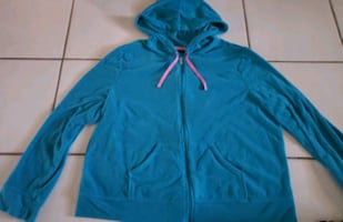 Womens zip up hooded sweater