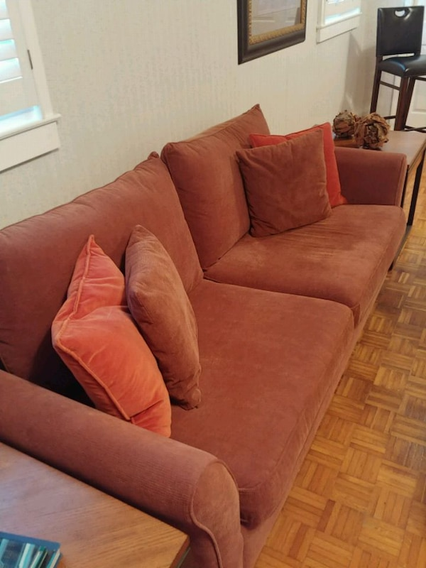 Terrific Super Nice Couch For Sale Squirreltailoven Fun Painted Chair Ideas Images Squirreltailovenorg