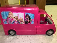 Barbie camper Chantilly, 20151
