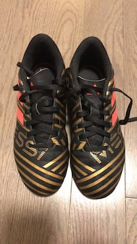 Kids size 2 Adidas Messi soccer shoes