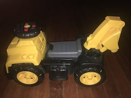 CAT Excavator Ride On Toy