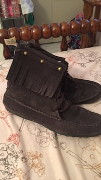 Brown leather shoes size 4 Grand Rapids, 55744