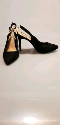 pair of black suede platform pumps Toronto, M9W