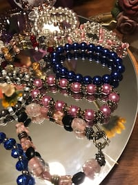 Pretty!!! Beaded & Crystal stretch Bracelets : many to choose from Gainesville, 20155