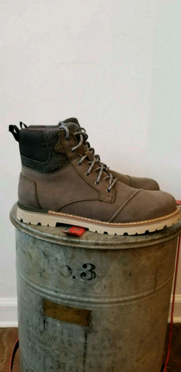d47d20e26c1 Used TOMS Ashland Waterproof Gray Leather Wool Boots for sale in  Philadelphia - letgo