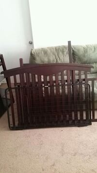 (Great Offer) Baby Crib/Changing Table North Bethesda, 20852