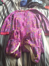 baby's pink yellow and teal multi stars print footie pajama Nepean, K2R