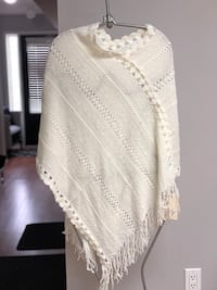 Knitted poncho  Burlington, L7L 6Y9