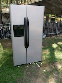 Stainless steel refrigerator with water and ice di Boston, 31626