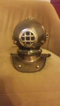 Diving helmet bust  Washington, 20017