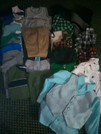 2 toddler boy clothes in excellent condition