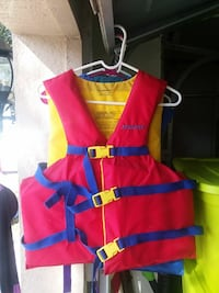 Adult size Stearns life jackets universal size