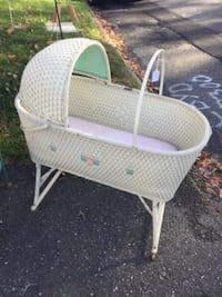 baby's white and pink bassinet HARTFORD