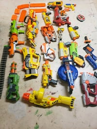 21 NERF guns and accessories  Greencastle, 17225