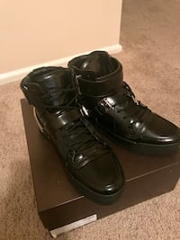Pair of black leather high-top Gucci sneakers Hyattsville, 20785