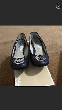 pair of black leather flats Los Angeles, 90027