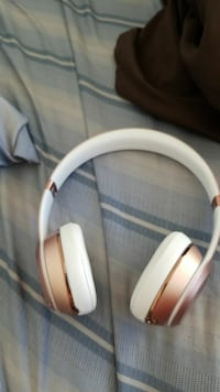 Beats solo3 wireless special edition rose gold