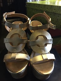 Pair of brown ankle strap leather sandals Las Vegas, 89183