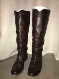 pair of black leather boots New York, 11237