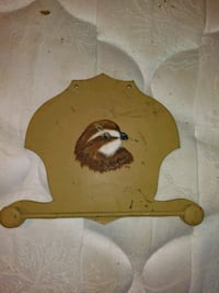 IT LOOKS LIKE SOME KIND OF BIRDS HEAD PAPER TOWEL HOLDER VERY OLD  Wetumpka, 36093