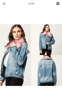 Faux fur collar denim jacket size medium  New Westminster, V3M 7A8