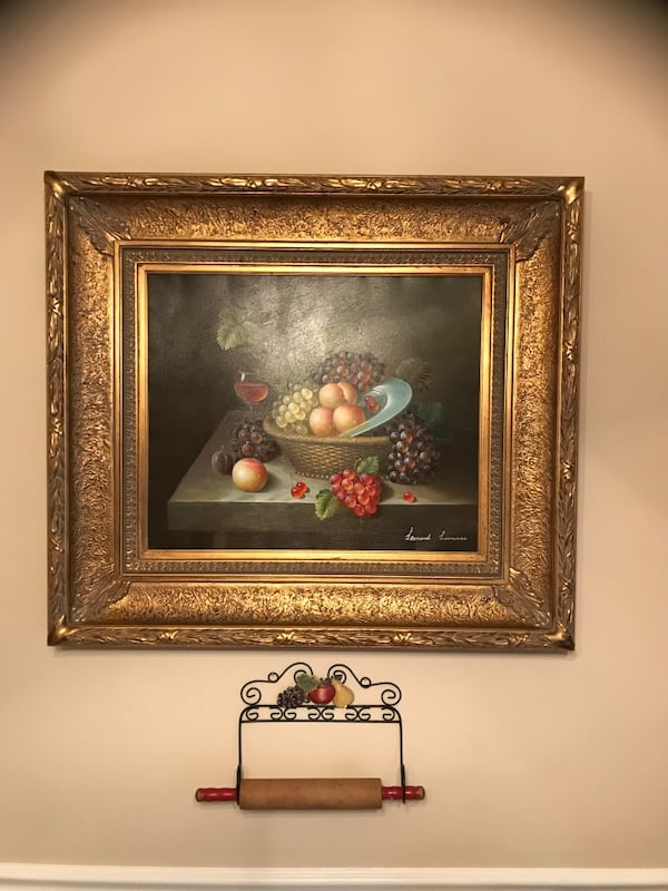Oil on canvas painting with gilt framing 3358d676-c18f-4506-a43a-e1e92e0dcc5d