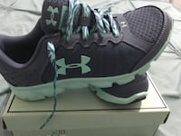 New under armor size 4 Clifton, 07011