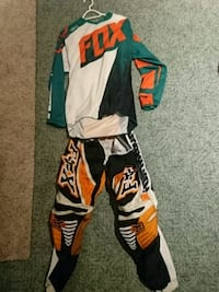 Fox mx shirt/pant combo, bought new 2015. Cobourg, K9A 4Y9