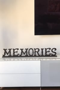 "Wooden Sign ""Memories"" - Home Decor"