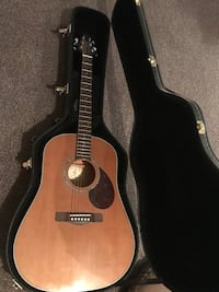 Acoustic guitar w/ case Alexandria, 22303