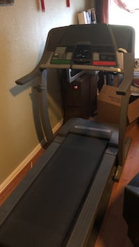 Black and gray automatic treadmill -Pro-Form Front Runner