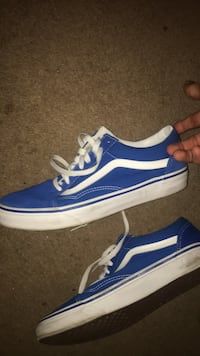 Blue-and-white vans low-top sneakers Niagara Falls, L2E 1G5