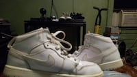 pair of white Nike mid-rise shoes New York, 10031