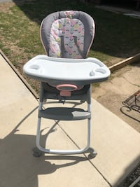 Baby high chair and toddler chair. Two in one. Baltimore, 21222