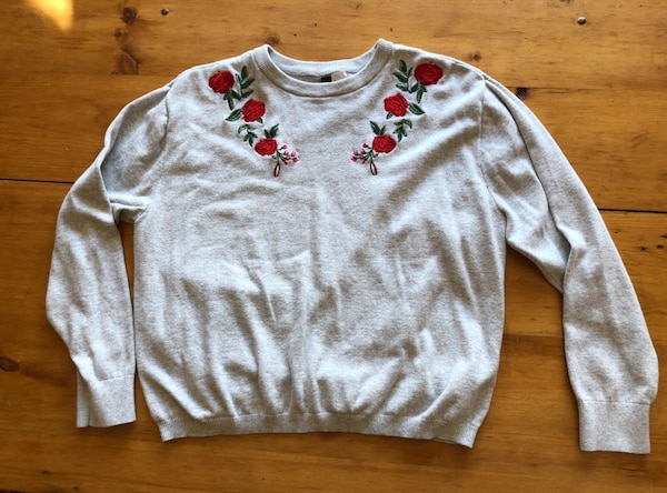 Women's gray floral embroidery sweater a384d2dd-14e2-4a5f-abc9-fc1bfc1dc017