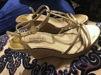pair of brown leather open toe ankle strap sandals Montréal, H4N 2X5