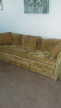 Long couch  Lubbock, 79414