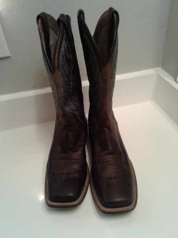 Ariat Ladies size 9 boots