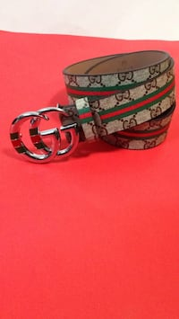 black Gucci leather belt with gold-colored buckle Ottawa