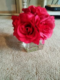 red and pink rose flowers centerpiece Uniontown, 15401